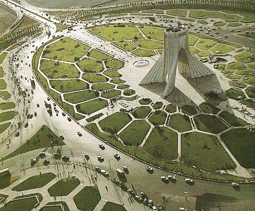 La guerra se avecina a toda prisa - Página 4 Tehran_azadi_new